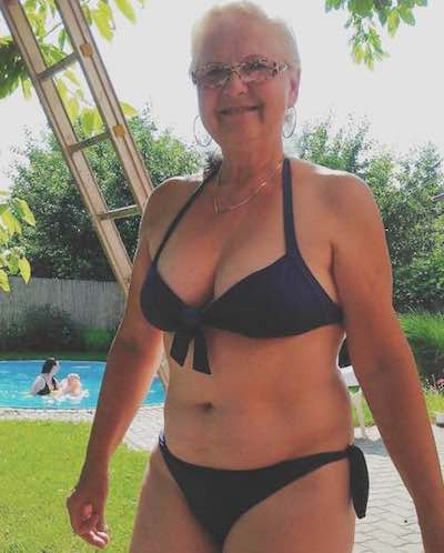 Busty Grandma Looking For Sex Dates